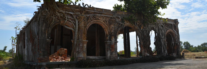 Vietnam house under the bodhi tree