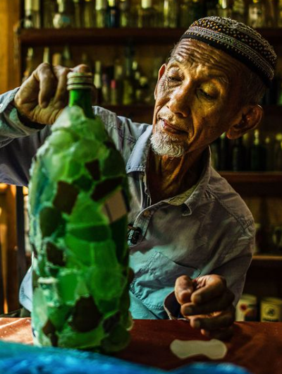 Malaysia – The 'Bottle' Man