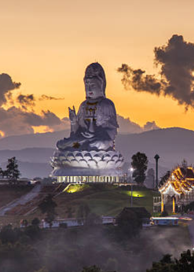 Thailand – Chiang Rai's Temple in the Sky
